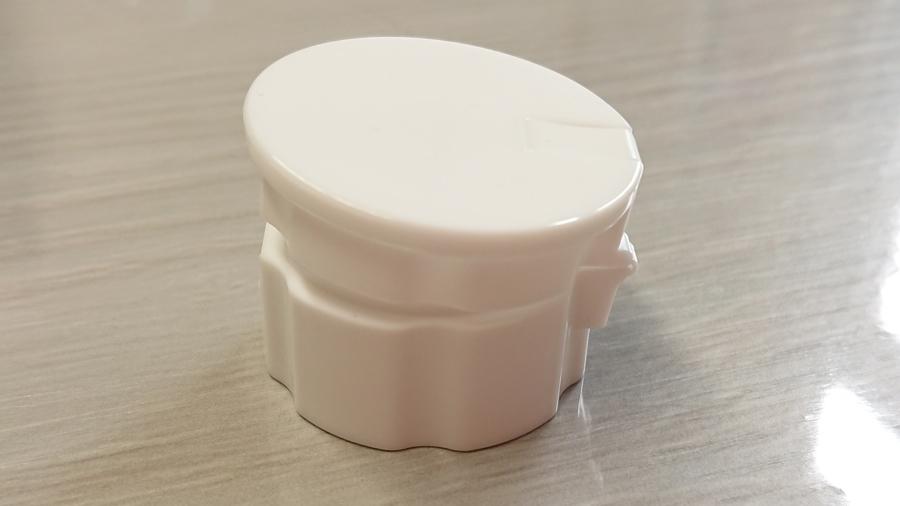 プラスチック成形や金型加工製作、100円均一商品の販売流通開発企業のヴァンテック株式会社 チューブ型容器キャップ